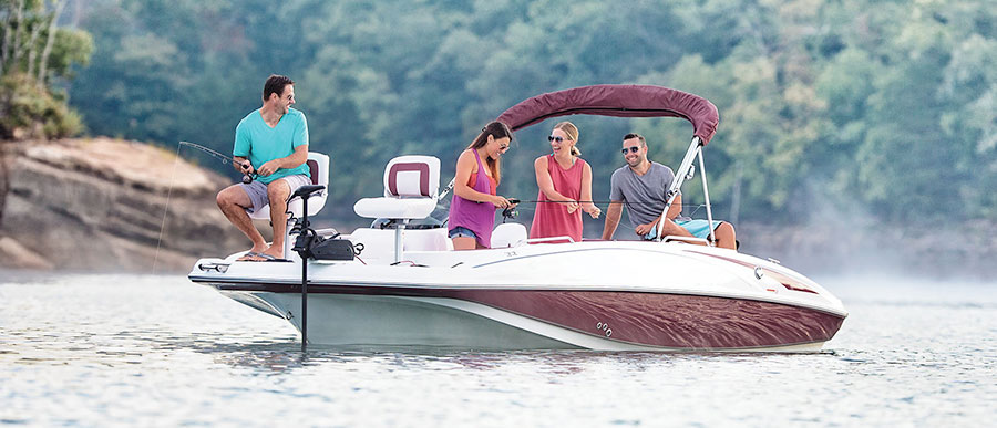 Deck Boats | Discover Boating
