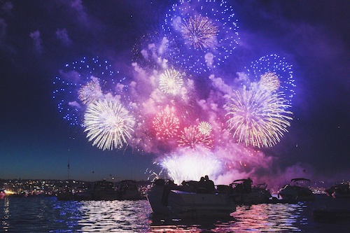 boating to watch fireworks