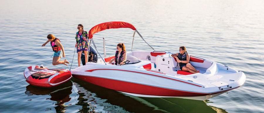 deck boats for lakes