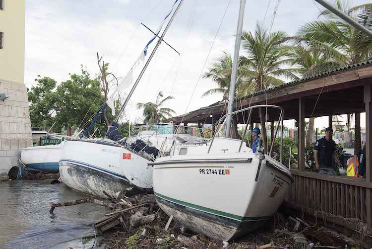 hurricane checklist for boaters
