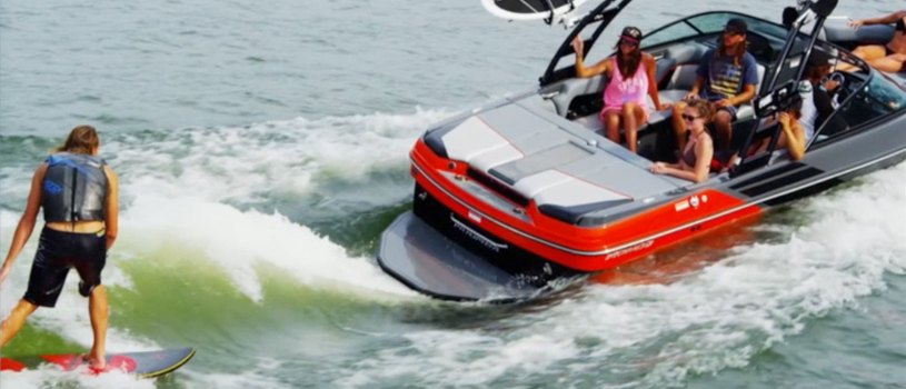 inboard-ski-and-wakeboard-boat.jpg