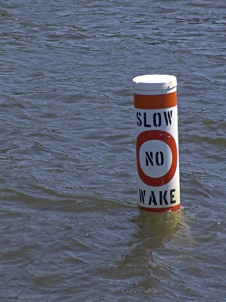 Slow no wake buoy
