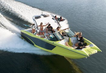 Bowrider Discover Boating