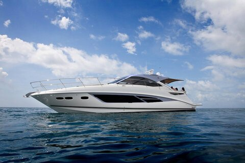 Motor Yachts Power Cruiser Boats Discover Boating