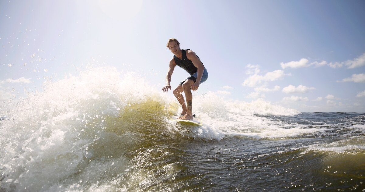 Wakesurfing: Tips on How to Get Started | Discover Boating