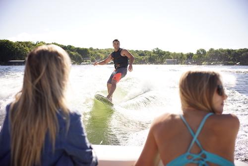 wakesurfing for beginners